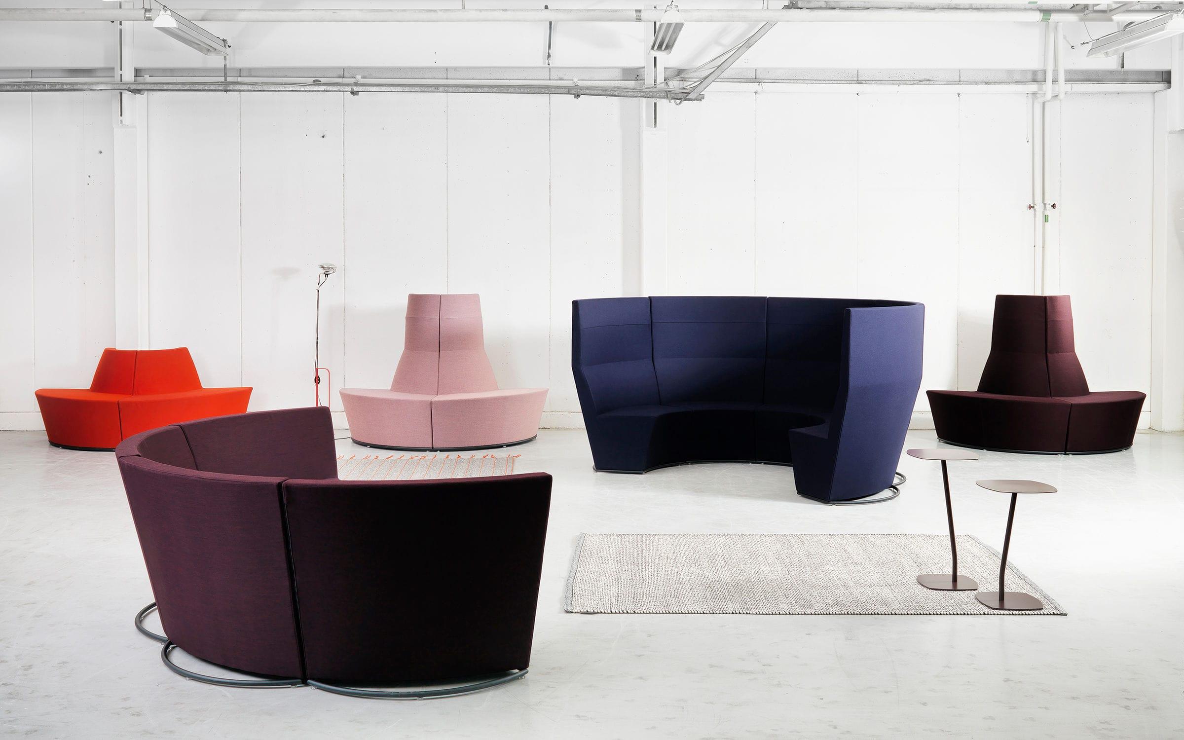 modular upholstered bench - area radius - lammhults möbel ab