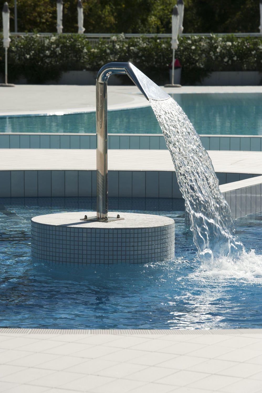Swimming pool waterfall - CEMI