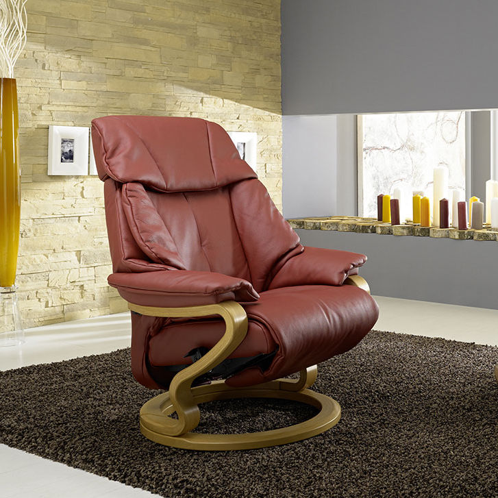 Traditional Armchair Fabric Leather With Footrest