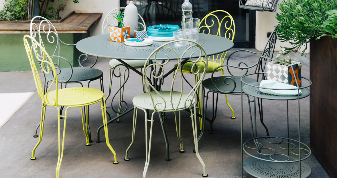 Traditional Dining Table Montmartre Fermob Steel Round Garden
