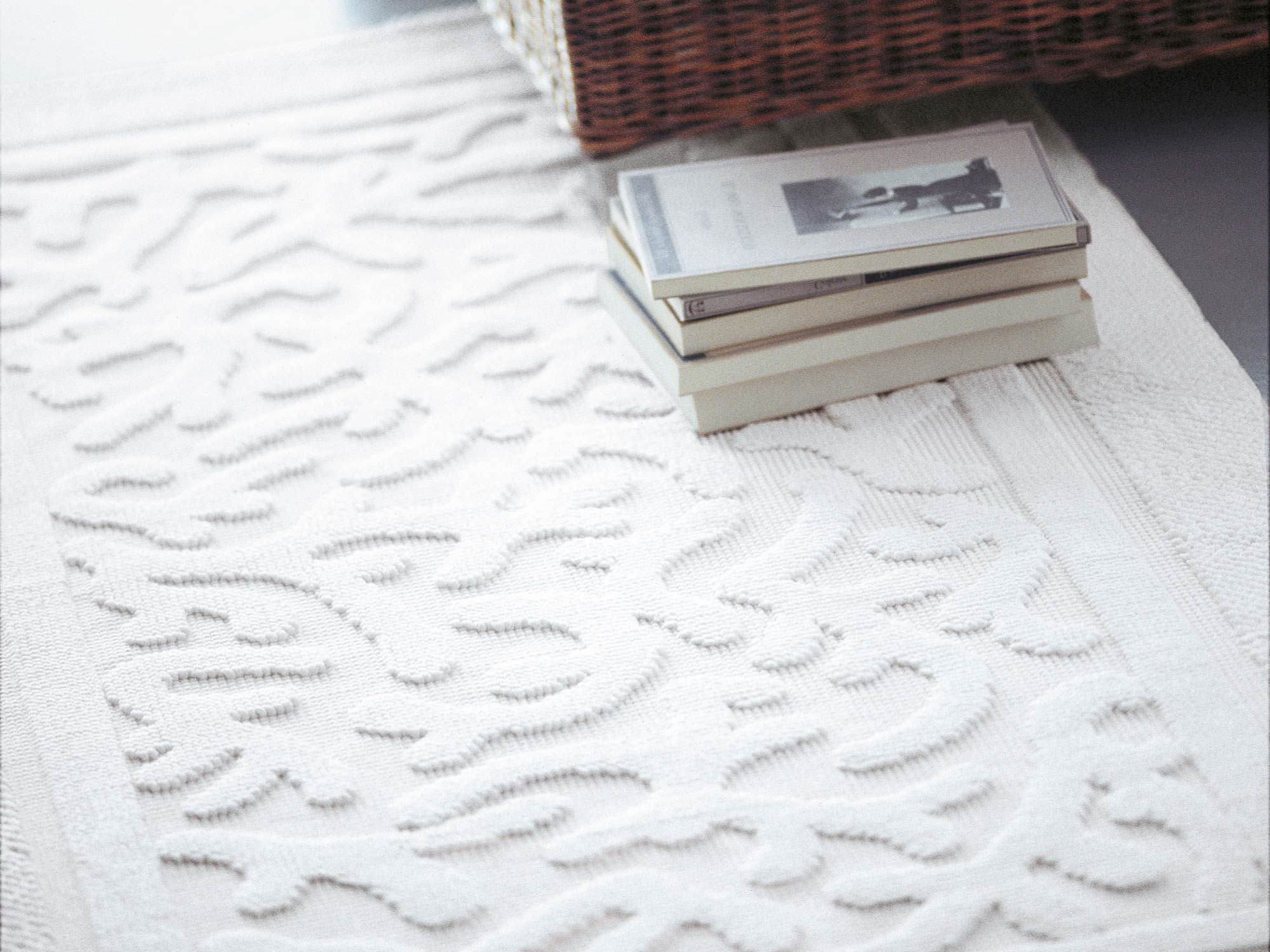 Contemporary Rug Patterned Wool Rectangular Coralli