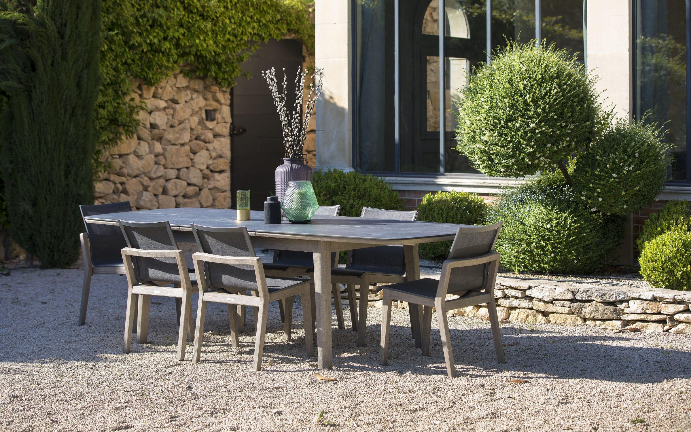 COPENHAGUE - Scandinavian design dining table / teak / hpl / oval by LES  JARDINS | ArchiExpo
