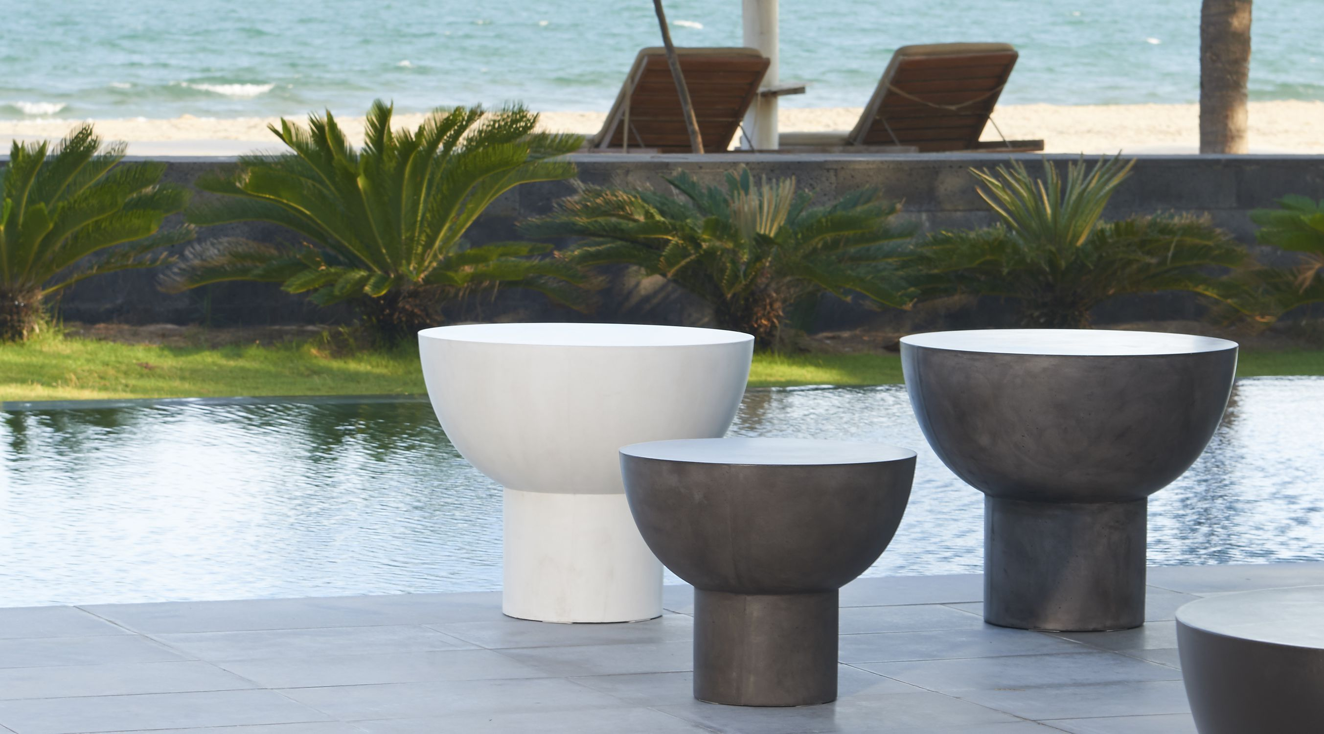 Contemporary Side Table Concrete Round Outdoor