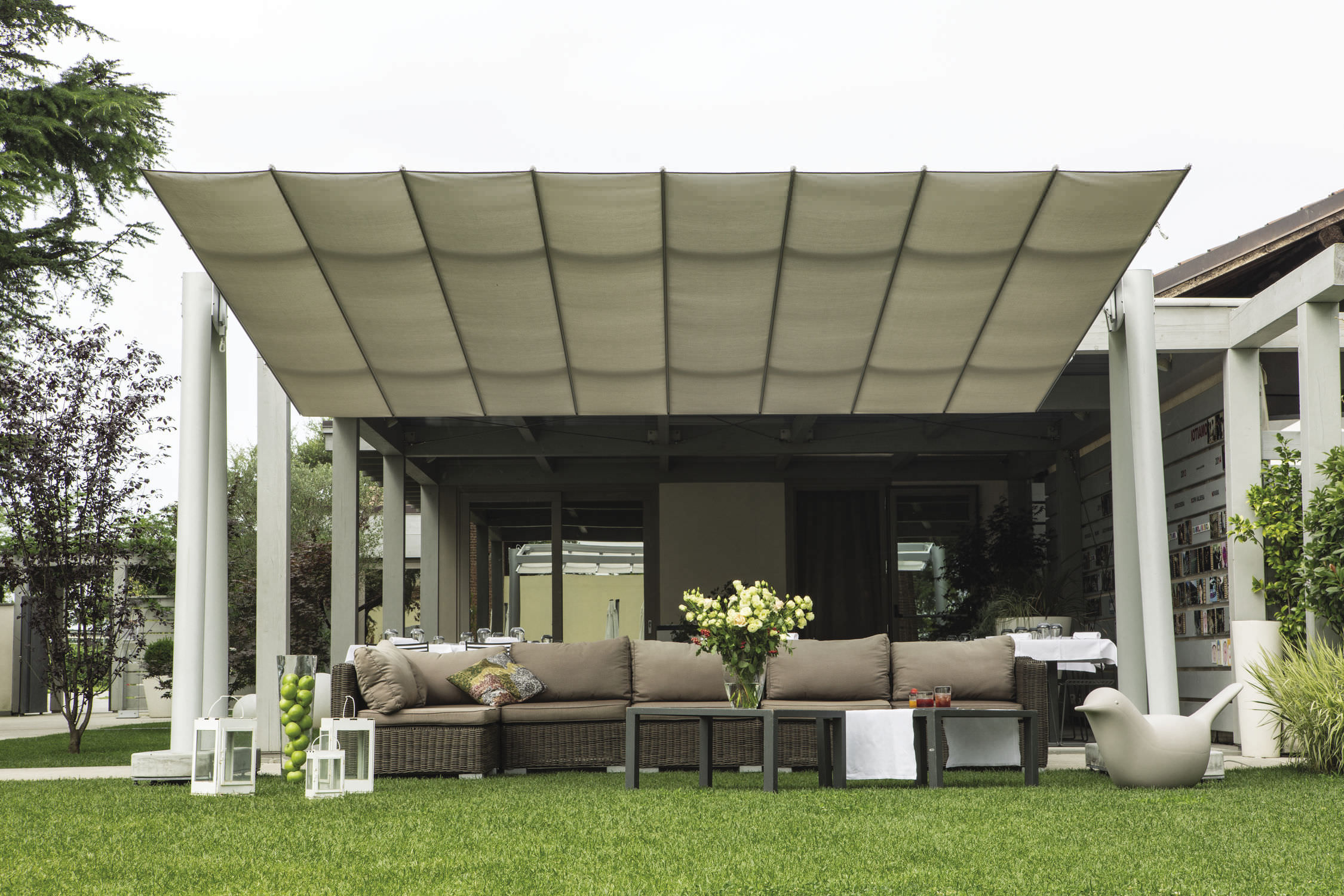 restaurant patio umbrella / for bars / fabric / aluminum - flexy xl Backyard Umbrella