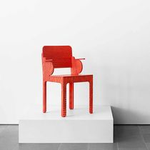 Scandinavian design chair / wood / red / with armrests