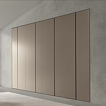 Wall-mounted wardrobe / contemporary / lacquered wood / wood veneer