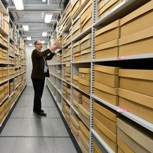 storage shelving / archival / standard / modular
