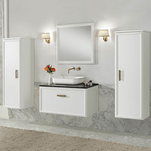 traditional bathroom / wooden / lacquered