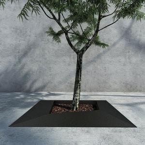 square tree grate / iron
