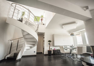 spiral staircase / metal frame / stone steps / with risers
