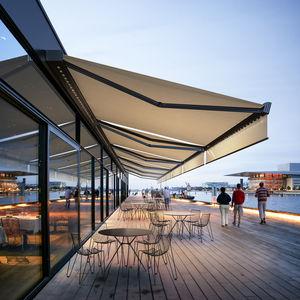 box awning / motorized / patio / balcony