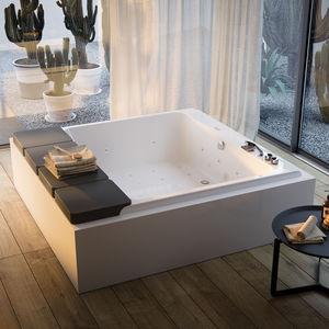 square bathtub