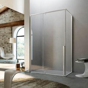fixed shower screen