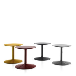 contemporary side table / polyurethane / round / by Piero Lissoni
