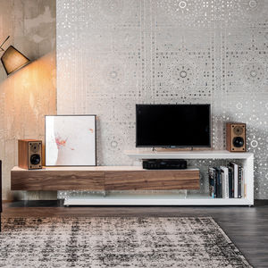 contemporary TV cabinet / lowboard / lacquered wood / walnut