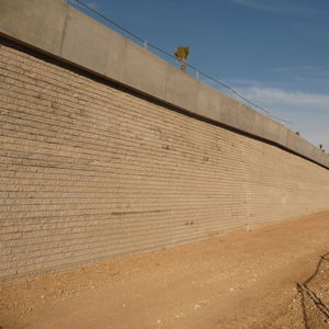 solid concrete block / for retaining walls / for fencing / for partition walls