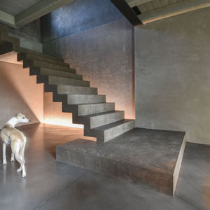 concrete floor covering / tertiary / polished / gray