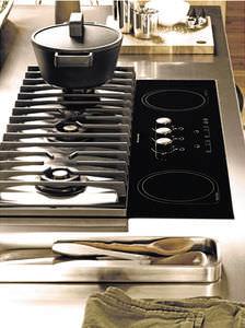 gas cooktop / dual-fuel / 5 burners