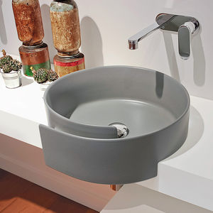 semi-recessed washbasin