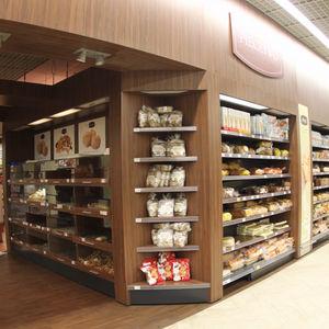 commercial shelving