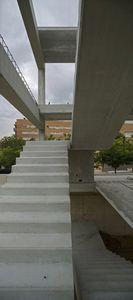straight staircase / quarter-turn / concrete frame / concrete steps