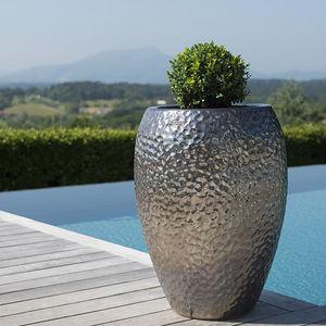 ceramic jarre