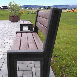 public bench / traditional / recycled plastic / with backrest