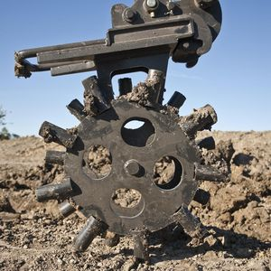 trench roller compactor