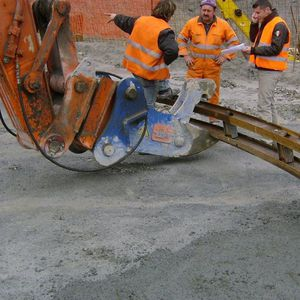hydraulic lifting clamp