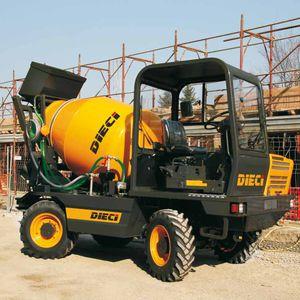 hydraulic mixer truck
