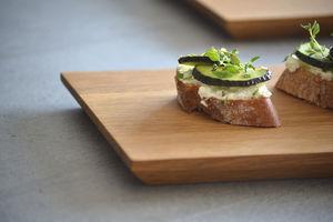 flat plate / serving / dessert / presentation