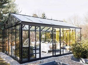 commercial greenhouse / gardening / commercial production / botanical