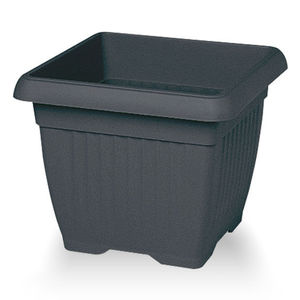 recycled plastic garden pot