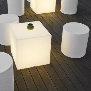 contemporary stool / polyethylene / nylon / rope
