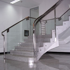 straight staircase / half-turn / concrete frame / marble steps