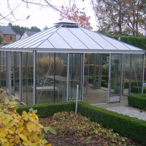 commercial greenhouse / gardening / botanical / ornamentals production