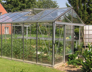 commercial greenhouse / botanical / gardening / ornamentals production