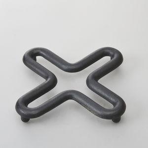 metal trivet