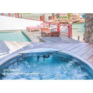 wooden Nordic hot tub