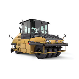 pneumatic tired roller compactor / for soil