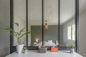 interior glass panel / transparent