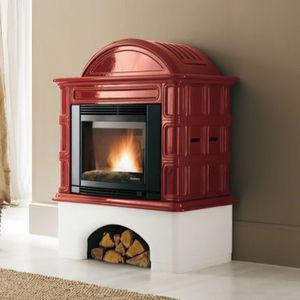 pellet heating stove / earthenware / traditional / 10 kW...20 kW