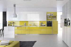 contemporary kitchen / laminate / lacquered / high-gloss