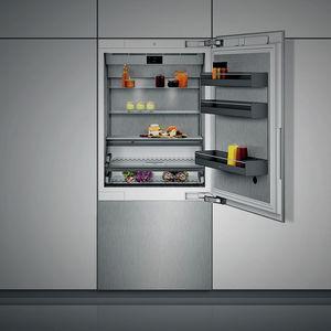 bottom freezer refrigerator-freezer / home / with drawer / white