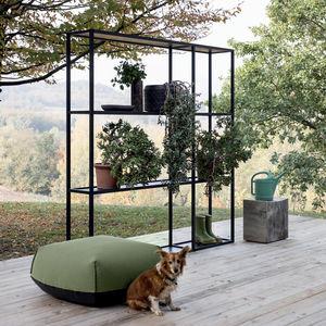 minimalist design shelf
