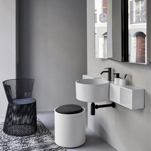 wall-mounted washbasin / round / ceramic / contemporary