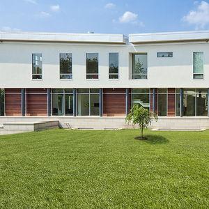 casement window / tilt-and-turn / aluminum / triple-glazed