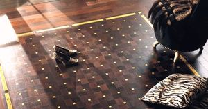 solid parquet floor / glued / painted