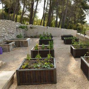 synthetic fiber garden planter