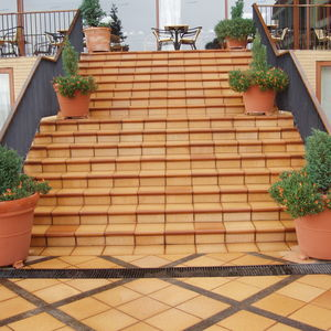 porcelain stoneware step covering